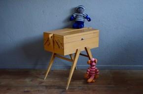 Boîte à couture travailleuse bricolage pieds compas vintage rétro années 50 fifties sewing box french deco wooden deco midcentury