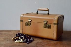 Valise vintage rétro années 50 bohème simili voyage train trousse de toilette valisette Mac Brine