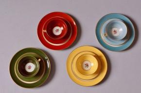 Tasses assiettes et sous tasses en porcelaine fine de limoges ancienne colorée multicolore fleurs rouge vert jaune bleu