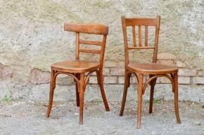 Chaises bistrot vintage rétro bois courbé bois Fischel winstub alsace route du vin paire dépareillée