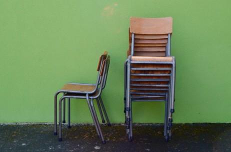 Série de chaises école Mullca bois piétement tubulaire indus restaurant vintage rétro années 60 sixties enfant cuisine set of school chairs french deco midcentury