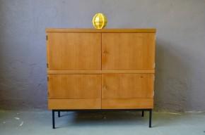 Highboard buffet bahut vaissellier moderniste années cinquante vintage enfilade haute