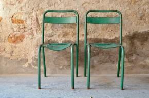 Chaise en métal verte extérieur intérieur  vintage rétro  bauhaus art déco indus atelier genre tolix