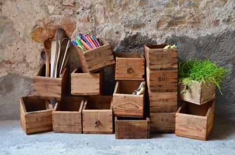 Petite caisse en bois tiroir organisation tri rangement vintage rétro bricolage années 50 atelier original maquillage bijoux crayon pot antic wooden box bohème bohemian french deco midcentury craft