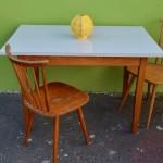 Table Formica ® colorée