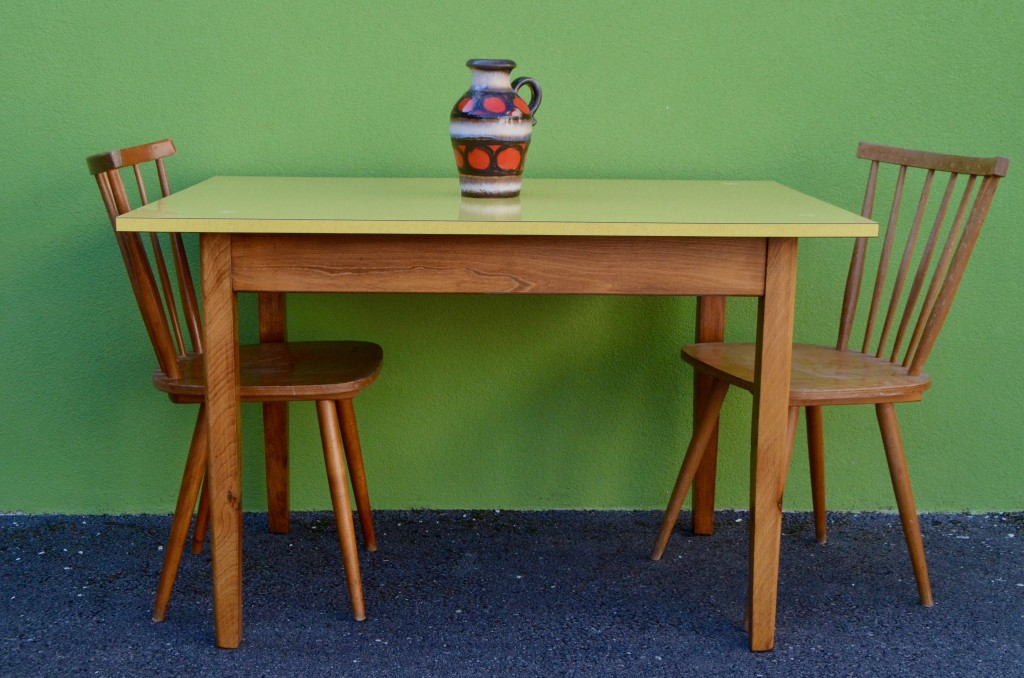 Table Formica ® Jaune