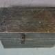 Coffre à jouets malle en bois vintage rétro bohème patine