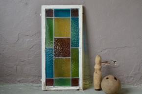 Fenêtre ancienne façon vitrail multicolore ancienne verre imprimé coloré