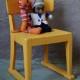 Chaise enfant vintage rétro années 50 jaune patine bohème traineau luge midcentury kid chair fifties bohème