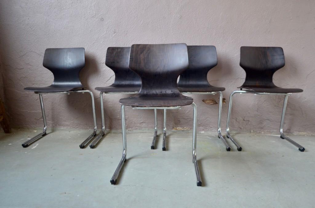 Série de 5 chaises Pagholz