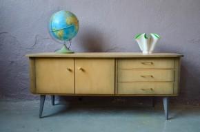 Petite enfilade vintage parfaite en meuble télé ou Hifi