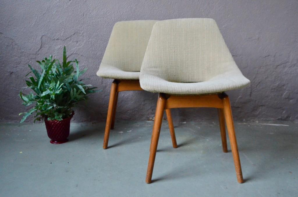 Paire de chaises Amsterdam de Pierre Guariche