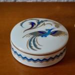 Bonbonnière ancienne en porcelaine boite à bijoux bohème boite fleurs art déco ancienne
