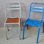 Voici une paire de chaises qui ne manque pas de tonus ! Avec leur structure tubulaire en métal et surtout leur belles couleurs, elles apporteront pep's et énergie à votre intérieur. Dans un pur style des années 50, elles sont idéales pour une terrasse ou dans une cuisine déco à l'esprit vintage ou indus. La patine et les peintures anciennes et authentiques les rendent uniques et très attachantes.