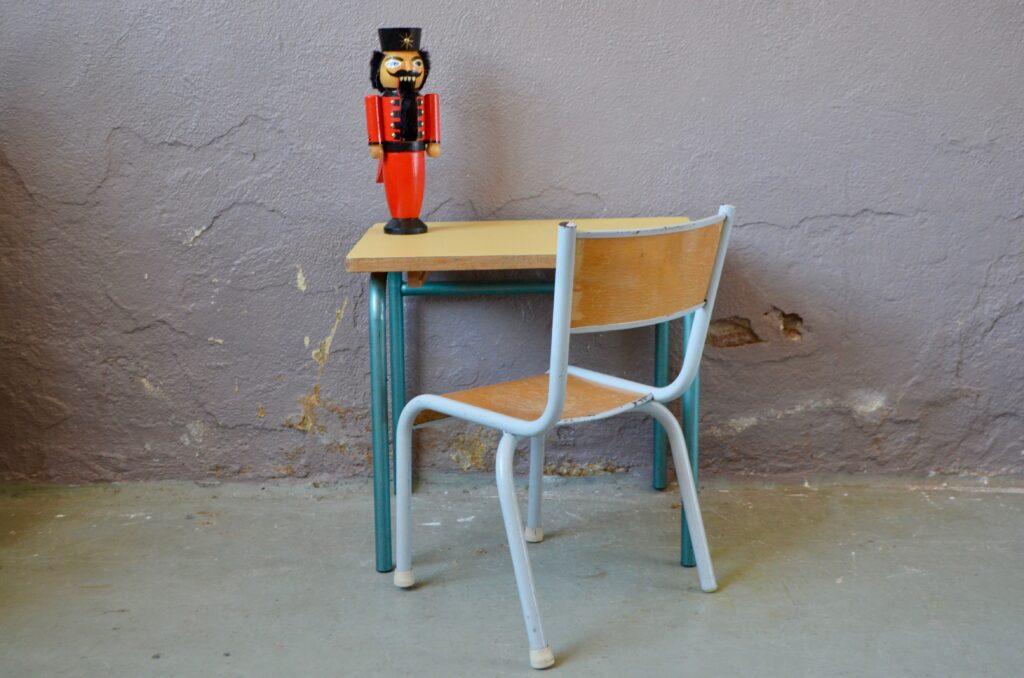 """Pupitre et chaise d'école """"Colonel Moutarde"""""""