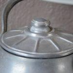 Bouilloire en fer blanc