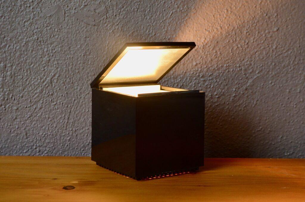 Lampe Cuboluce de Cini et Nils