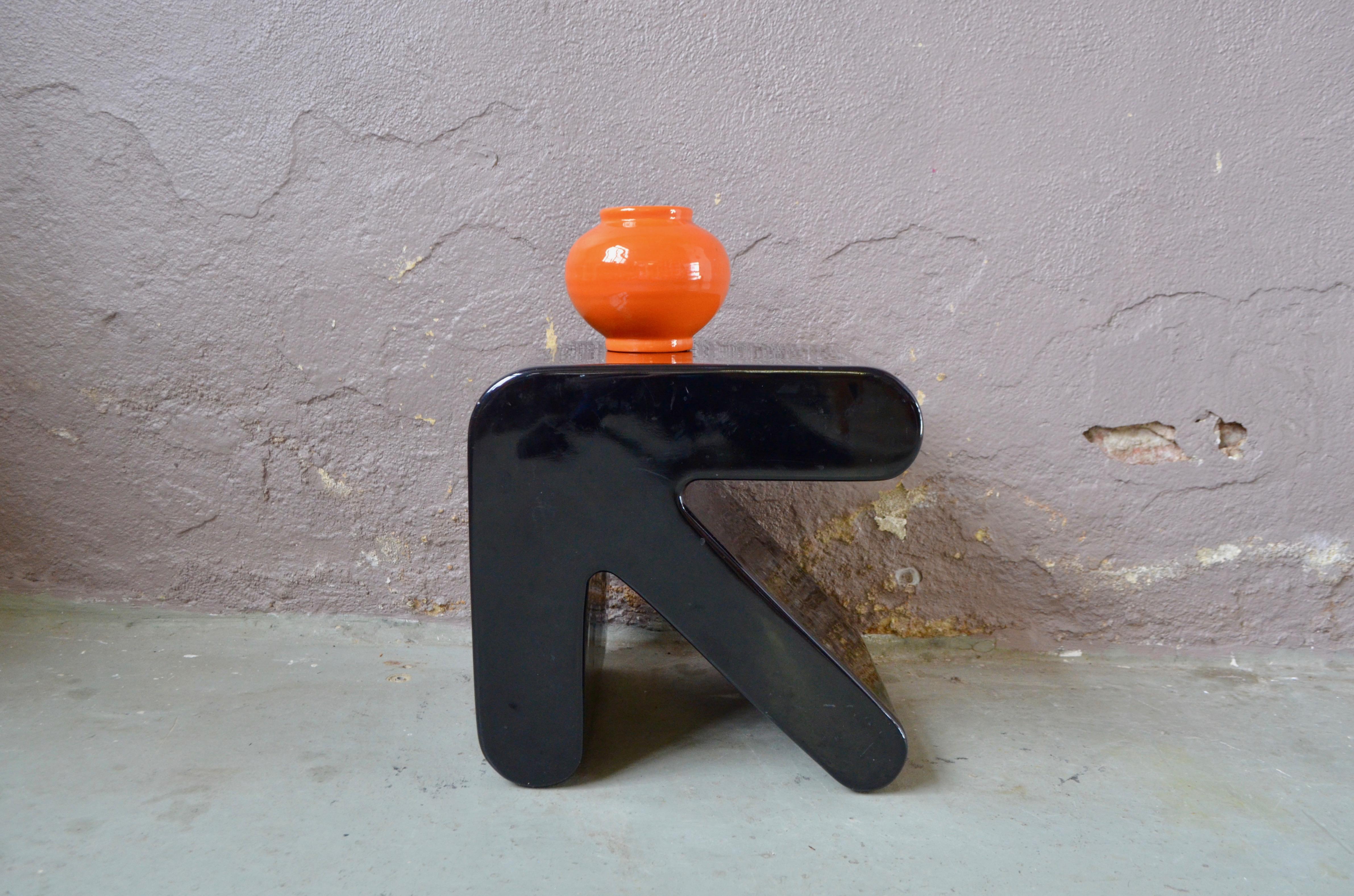Bout de canapé space age vintage sellette design italien