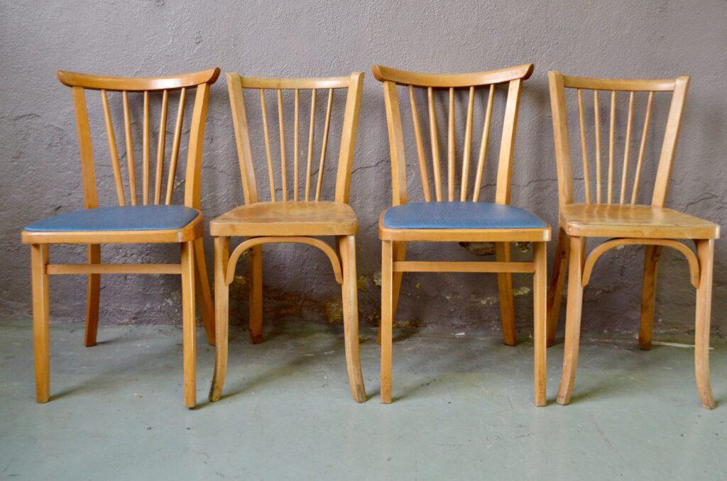 Chaises dépareillées Rockabilly