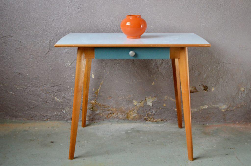 Table Iris