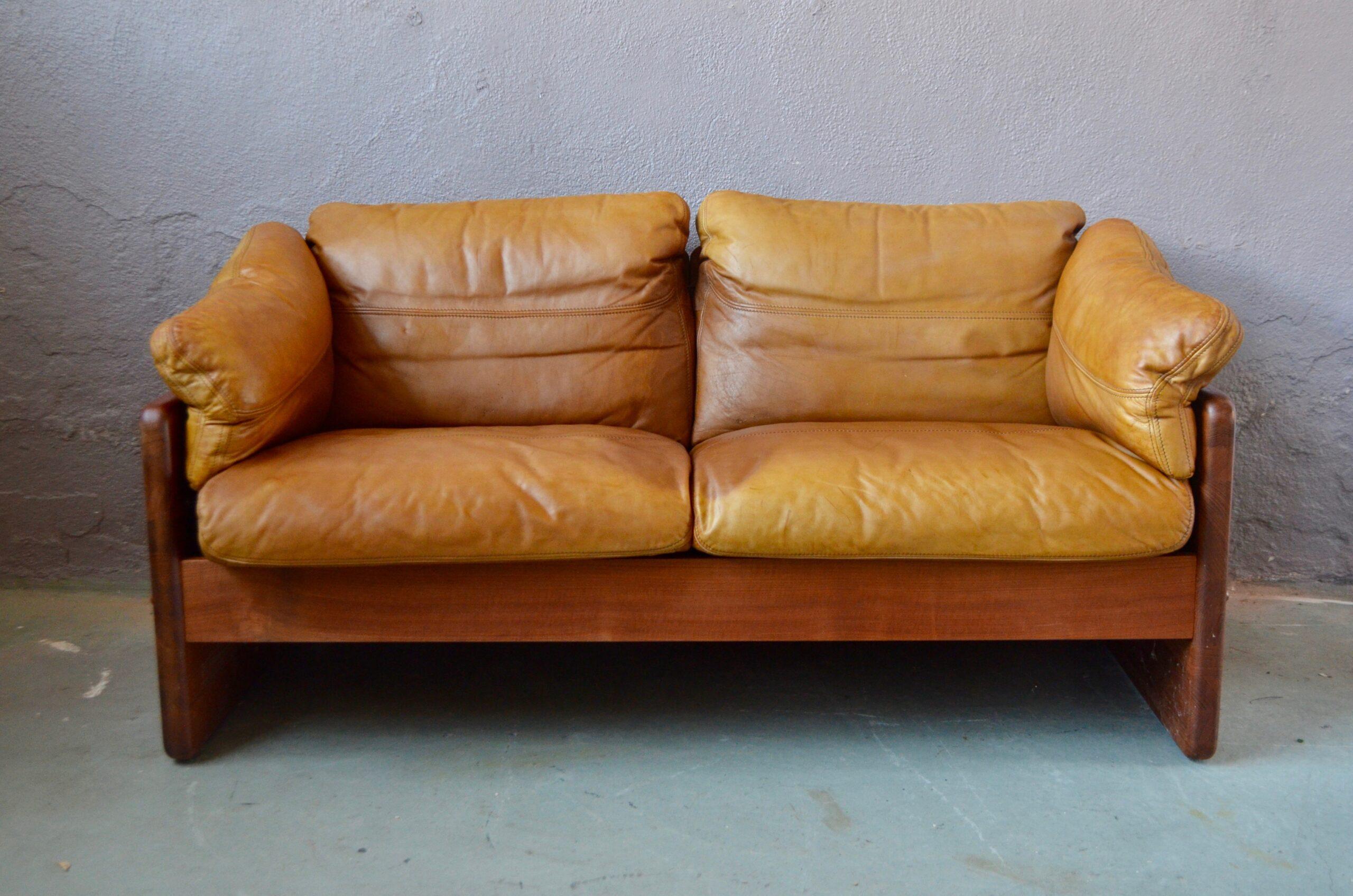 Canapé vintage en teck et cuir design danois brutalise éditeur mikael laursen années 60