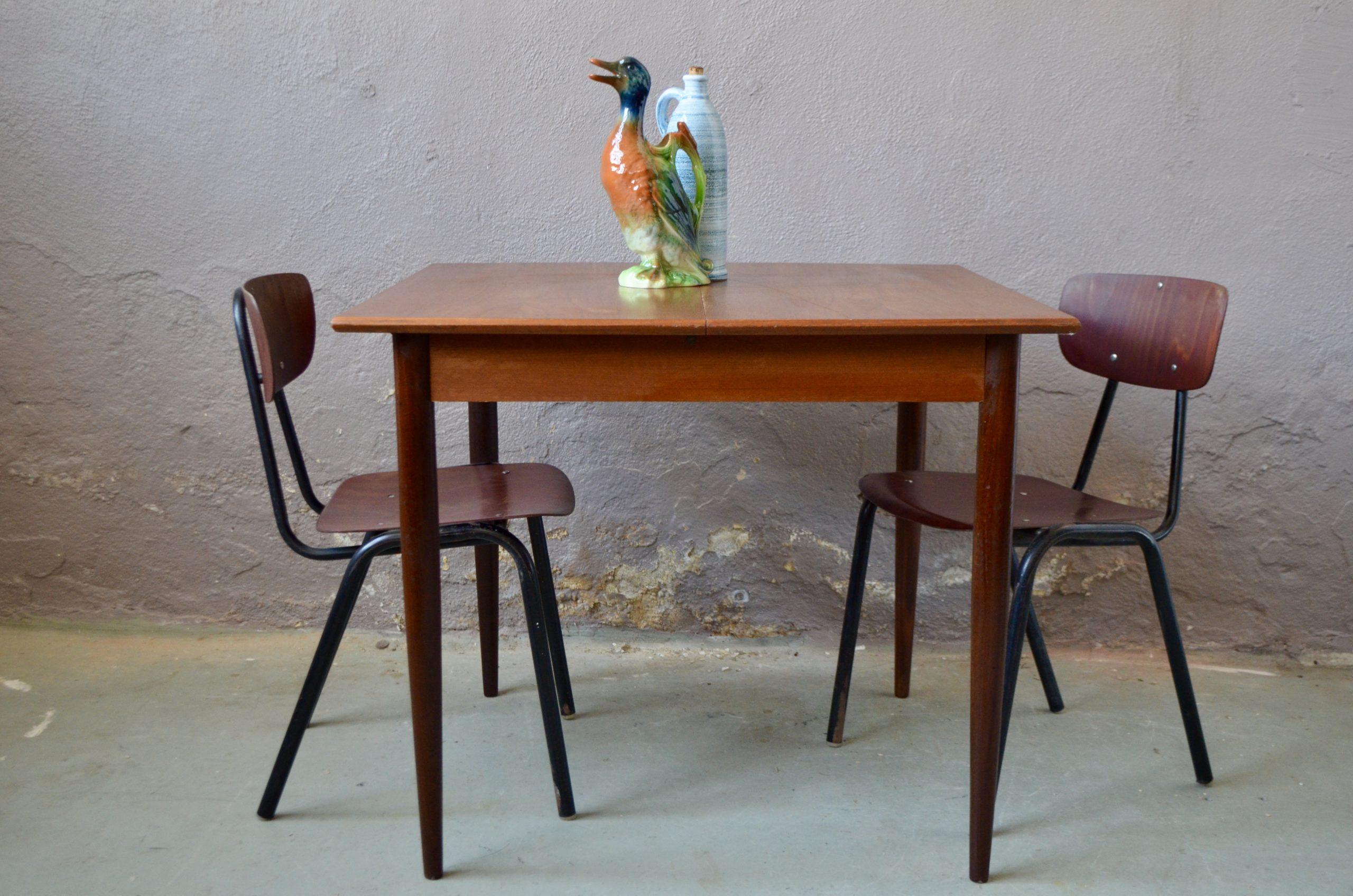 Table à repas en teck design vintage scandinave rallonges intégrées