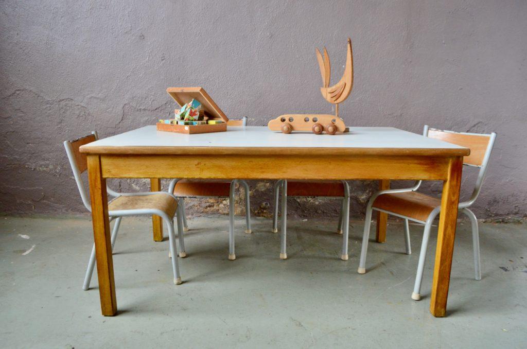 Table d'activités vintage rétro montessori steiner mobilier en bois design années 70 chambre enfant