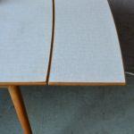 Table bistrot vintage piétement hêtre compas plateau formica table à rallonges