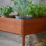 Jardinière en Teck danoise scandinave signée Schreiber's Furniture meuble plantes