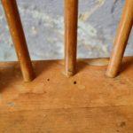 Paire de chaises vintage en bois massif style scandinave rustique