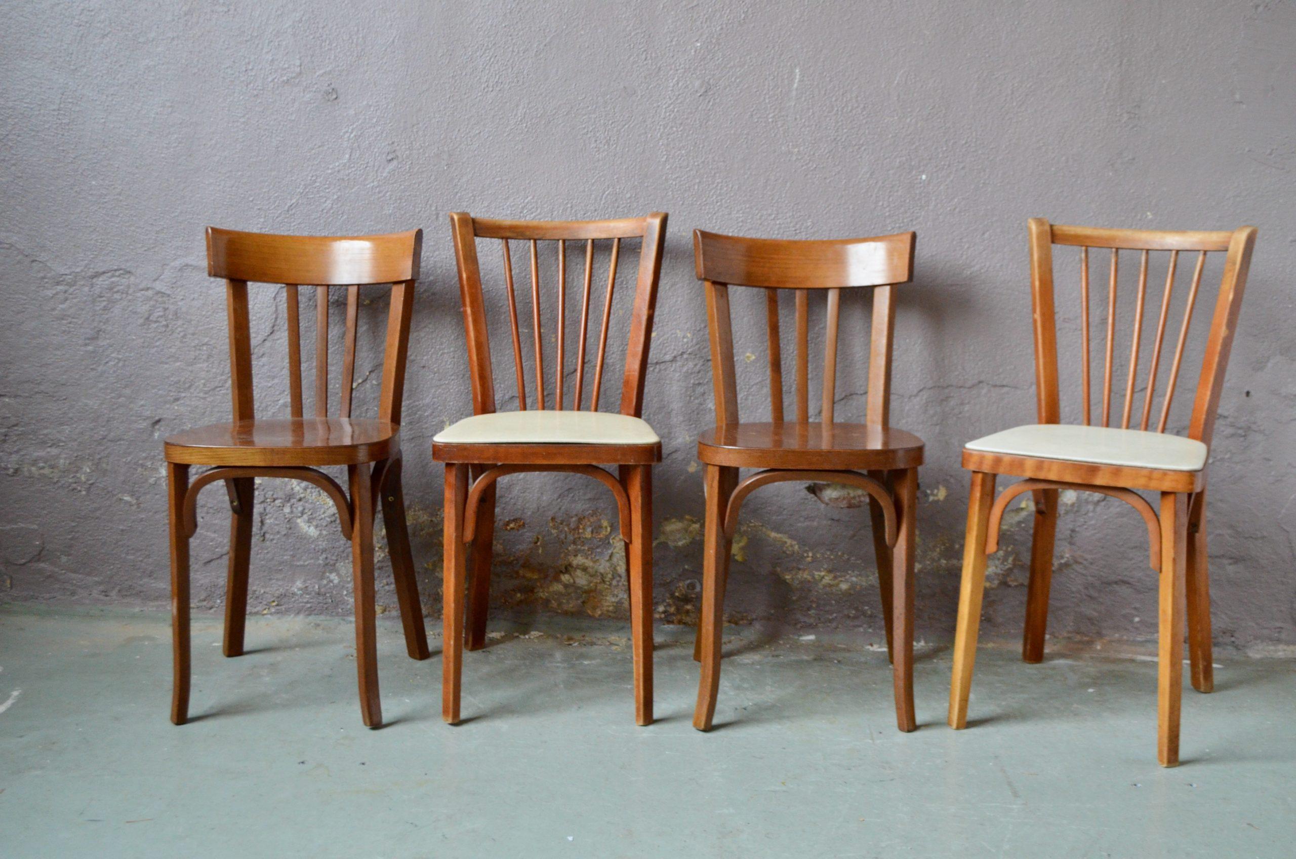 Série de chaises années 60 skaï bistrot Baumann pop mix and match cuisine restaurant années 60 french chairs
