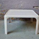 Table basse blanche en Fibre de verre Space age carrée déco 1960 design épuré