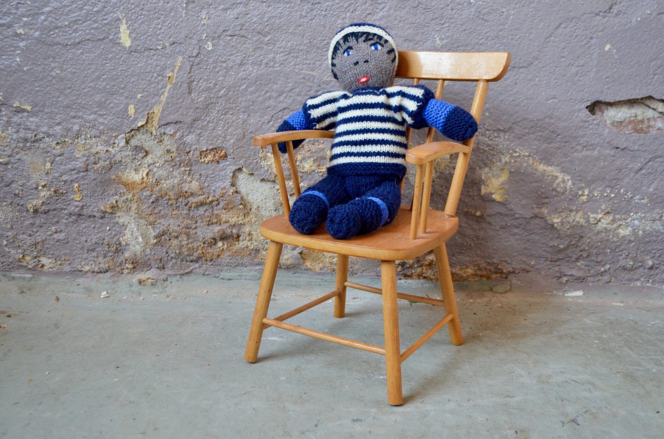 Chaise de poupée jouet enfant en bois style vintage scandinave