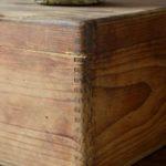 Valise vintage rétro années 40 bohème rustique wabi sabi décoration brocante french voyage bois atelier garage