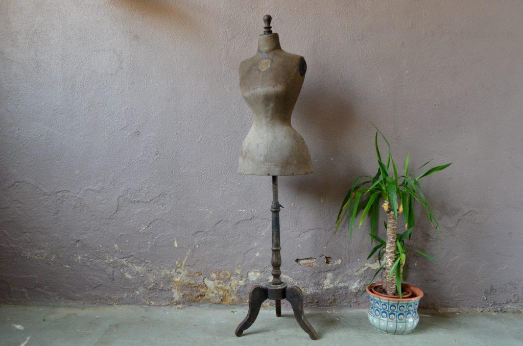 Buste de couture Bertrand Lille