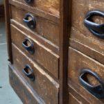 Meuble de métier comptoir ancien en bois années 1900 patine meuble de cuisine rustique restaurant