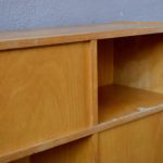Bibliothèque étagère enfant mobilier montessori vintage meuble en bois séparateur de pièce meuble réversible meuble à casiers années 50