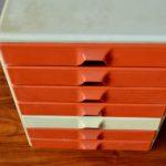 Meuble à tiroir caisson casier de rangement vintage et pop