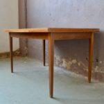 Table à rallonge style vintage scandinave à rallonge
