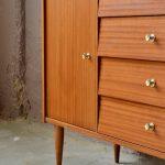 Commode petite enfilade bahut chambre meuble d'entrée vintage rétro années 60 façades inclinées